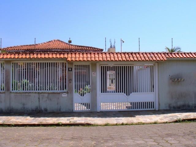 Casa no Centro de Peruíbe