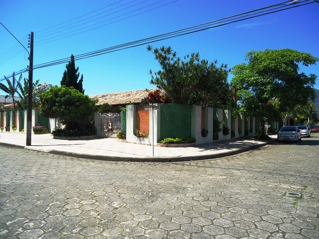 Casa 4 lotes Peruíbe