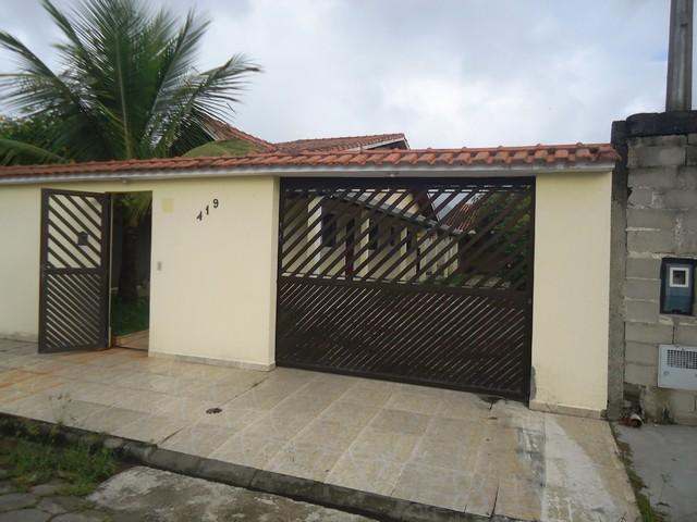 Casa térrea ampla c/ garagem