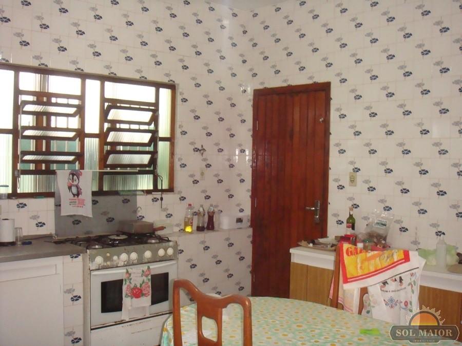 Casa com Edícula em Peruíbe